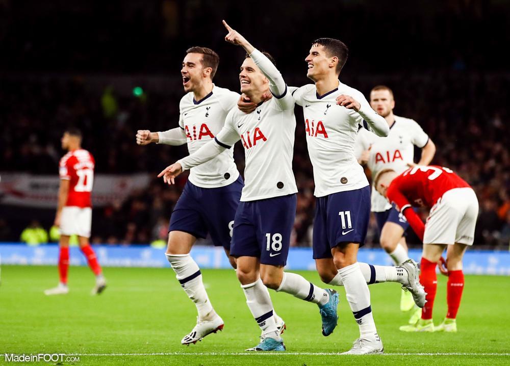 Lo Celso, ici au milieu, devrait rester à Tottenham.